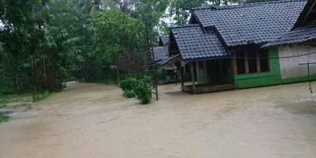 Tiga Kampung di Desa Sinarjaya Terendam Banjir