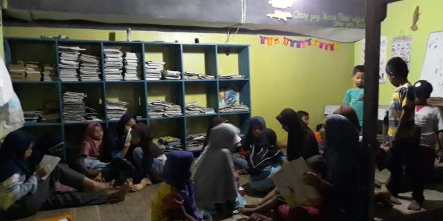 TBM Rumah Tukik Juga Aktif pada Malam Hari