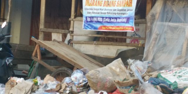 Setelah Banjir, Pasar Labuan Mulai Ramai Kembali