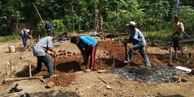 Dana Swadaya Masyarakat membangun Rumah Tidak Layak  Huni